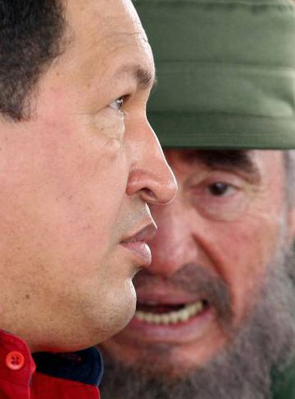 Hugo Chávez y Fidel Castro en Cuba en 2006.