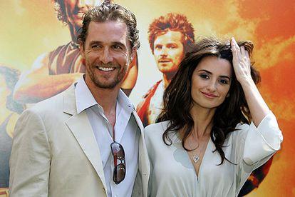 Penélope Cruz y Matthew McConaughey, en el estreno de 'Sahara' en Madrid, en 2005.