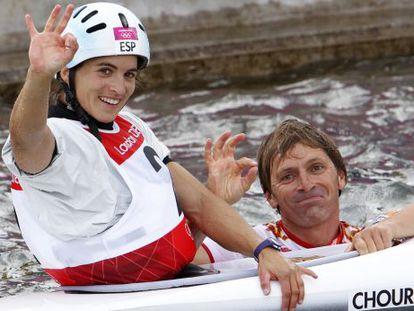 Chourraut y Etxaniz, que se lanzó al agua para festejar el bronce.