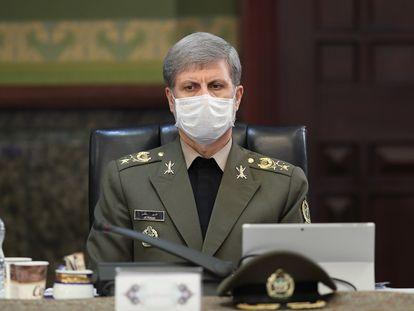 El ministro de Defensa iraní, el general Amir Hatami, durante una reunión del Gobierno.