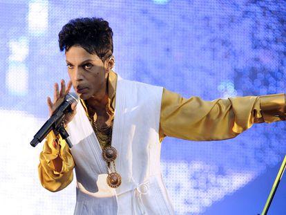 El artista Prince en una actuación en París, en 2011.