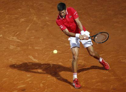 Djokovic, ayer durante el partido contra Sonego.