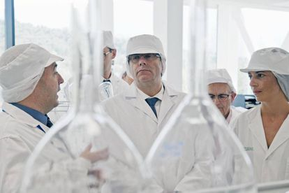 Carles Puigdemont en la inauguración de la ampliación de la fábrica de Liquats Vegetals en Girona.