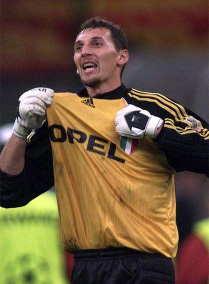 Abbiati celebra una victoria con el Milan en la Liga de Campeones.