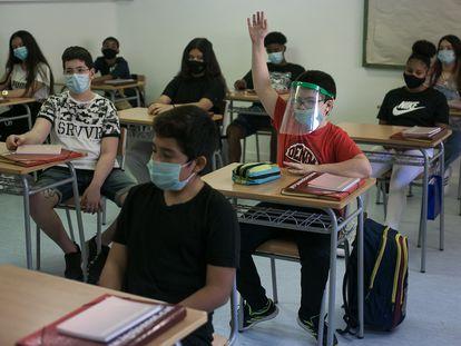 Alumnos de ESO en un instituto de Esplugues de Llobregat.