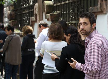 David, un descendiente de sefardíes nacido en Ciudad de México, espera su turno para solicitar la nacionalidad española en el Consulado, el 30 de septiembre de 2019.