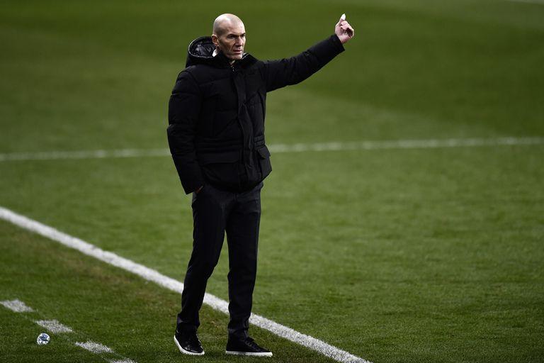 Zidane, durante el Real Madrid-Athletic de la Supercopa de España.