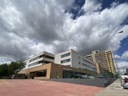 """Residencia Amavir de Valdebernardo donde, según denuncia la asociación El Defensor del Paciente, han fallecido """"más de 60 ancianos"""""""