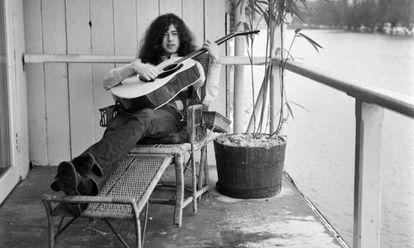 Jimmy Page en una imagen de 1970 sin precisar su localización