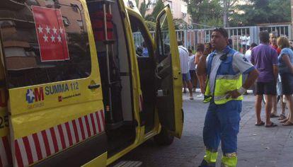 El servicio de emergencias, en el sitio donde murió el hombre