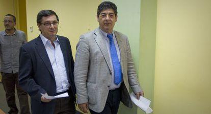José Luis Centella y Diego Valderas, antes de pedir a sus socios de Gobierno el aplazamiento del plan de ajuste.