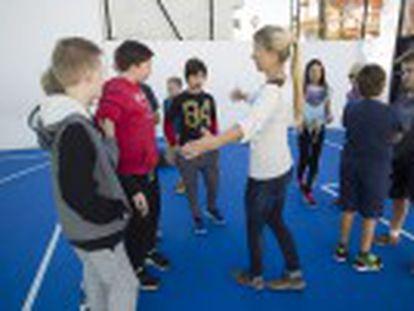 La escuela finlandesa de Fuengirola aplica el programa Kiva que incluye sesiones contra el  bullying , vigilantes y especialistas