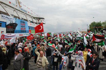 El barco 'Mavi Marmara', que fue atacado por Israel, antes de zarpar.