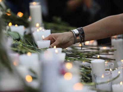 Ofrenda para todas las víctimas de feminicidio en la columna del Ángel de la Independencia en Ciudad de México (México) el pasado 23 de febrero.