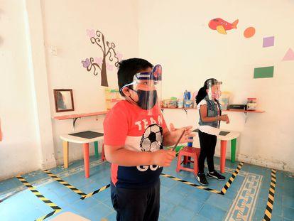 Alumnos asisten a clases de preescolar en León, Guanajuato, el 11 de mayo.