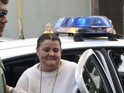 Isabel García a la llegada a una de sus comparecencias en los Juzgados de Huelva.