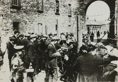 Comienzo de la insurrección irlandesa del lunes de Pascua de 1916.