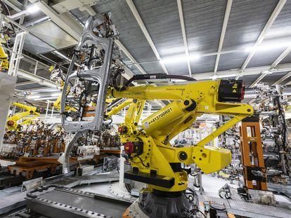 Robot de Seat que permite levantar hasta 400 kilos.