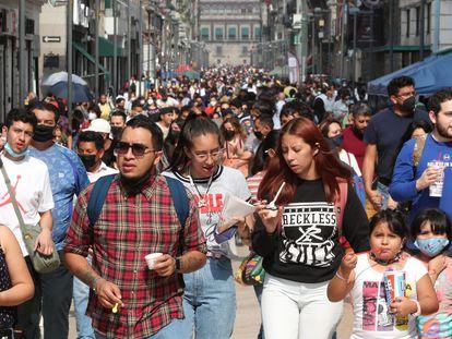 Peatones en el Centro Histórico de Ciudad de México.
