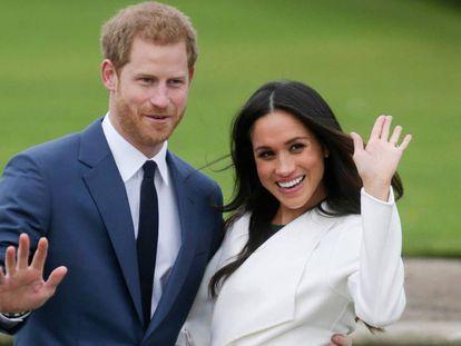 Los duques de Sussex, durante el anuncio de su compromiso, en 2017.