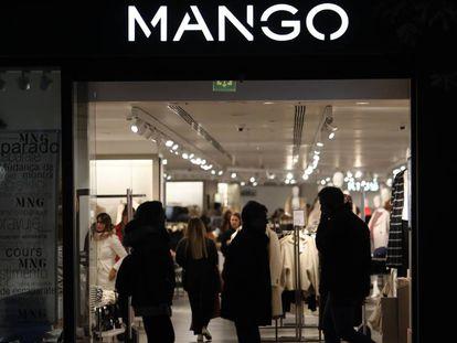 Una tienda de Mango.