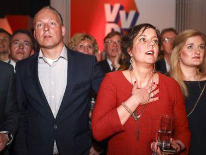 El primer ministro Rutte supera con claridad al populista Geert Wilders