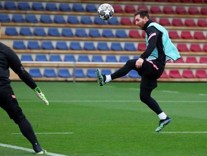 Messi, durante el entrenamiento de este lunes.