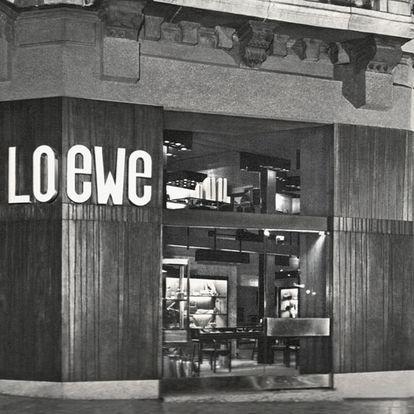 La tienda de Loewe en la Gran Vía de Bilbao, en una fotografía de 1961.