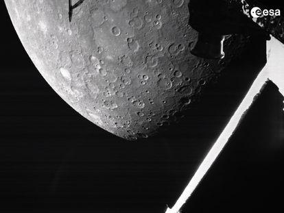Primera imagen de Mercurio tomada por la 'BepiColombo' a su llegada, la madrugada de este sábado, a las proximidades del planeta más cercano al Sol.