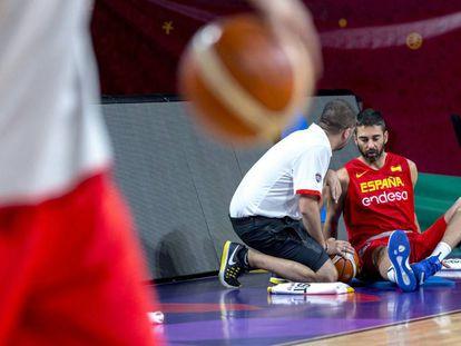 Jenaro Díaz, con Juan Carlos Navarro, este sábado, en un entrenamiento de la selección española.