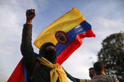 Un manifestante en Bogotá, el pasado 6 de mayo.
