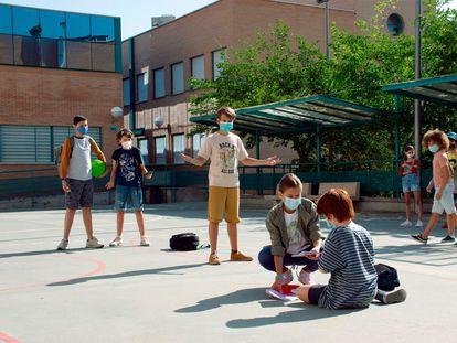 Según datos de la Asociación NACE, uno de cada cinco niños escolarizados sufre 'bullying' en España y solo el 15% de las víctimas se atreven a contarlo a familiares o profesores.