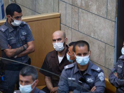 Ayham Kamamji, uno de los seis presos palestinos fugados, comparece ante un juez israelí, el domingo en Nazaret.