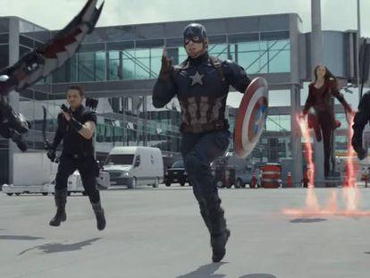 El bando de Capitán América, en una pelea en el filme.