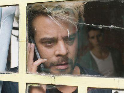 El actor mexicano Leonardo Ortizgris en una escena de la película 'Amores Modernos' .
