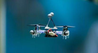 Helicóptero dron de Ericsson que funciona por control radio gracias al 5G.