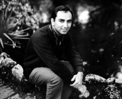 Francisco Brines, en una imagen sin datar de los años cincuenta, cedida por la fundación Francisco Brines.