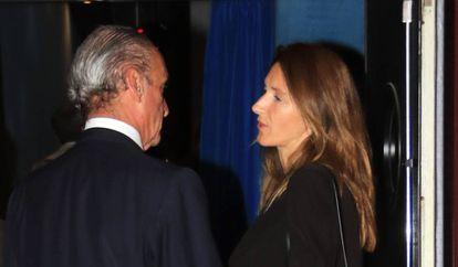 Mario Conde y su novia, Pilar Marín, en un estreno en Sevilla el 25 de octubre de 2018.