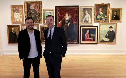El comisario literario Kirmen Uribe (izquierda) y Miguel Zugaza, director del Museo de Bellas Artes de Bilbao.