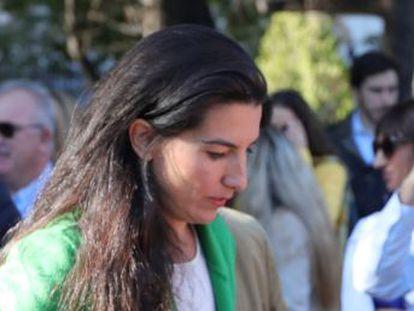La presidenta de Vox en Madrid presentó el trabajo de fin de carrera y se colegió en 2009, pero ya llevaba nueve años con un estudio que realizaba proyectos en Madrid