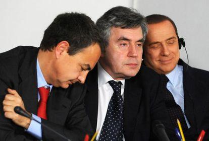 Rodríguez Zapatero, Gordon Brown y Berlusconi en Egipto en 2009.