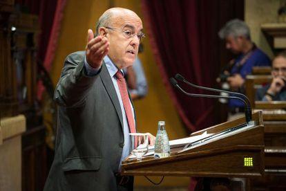 El consejero de Salud Boi Ruiz en el Parlament.