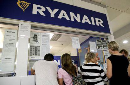 Mostrador de la aerolínea Ryanair en el aeropuerto de Barajas el pasado viernes.