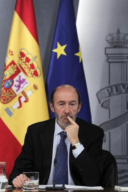 El vicepresidente Rubalcaba, tras el Consejo de Ministros.