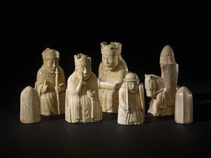 Piezas del ajedrez de la isla de Lewis, conservadas en el Museo Británico de Londres.