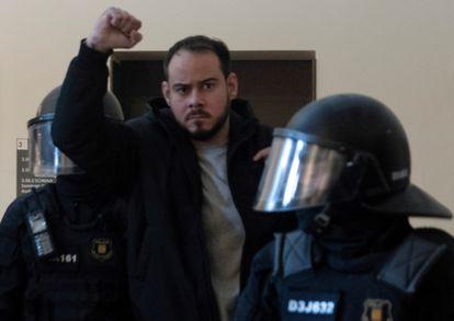 El rapero Pablo Hasél después de ser detenido en la Universidad de Lleida.