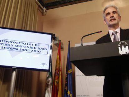 El consejero de Salud de Andalucía, Aquilino Alonso, tras un Consejo de Gobierno.