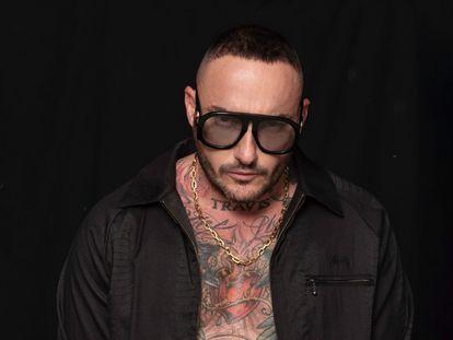 Jose Luis Garaña de los Cobos, más conocido como DJ Nano, acaba de publicar sus memorias, 'Al otro lado de la cabina'.