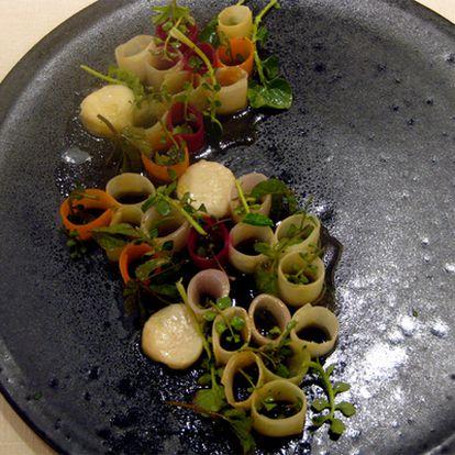 Verduras encurtidas y tuétano, plato de Noma.
