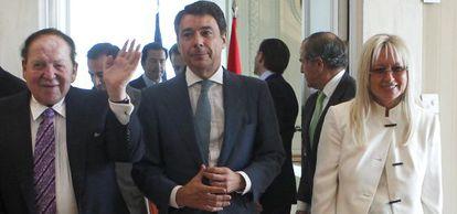 Visita a Madrid en octubre de los responsables del proyecto de Eurovegas, el magnate Sheldon Adelson y su esposa, con Ignacio González.